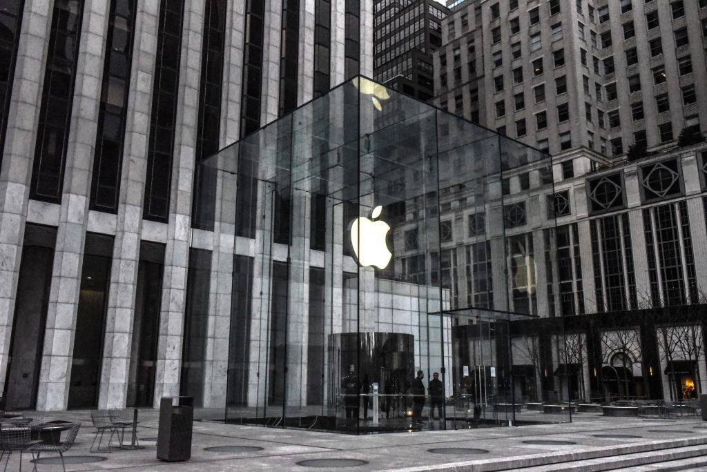 Apple stores in U.S. closed 'until further notice'