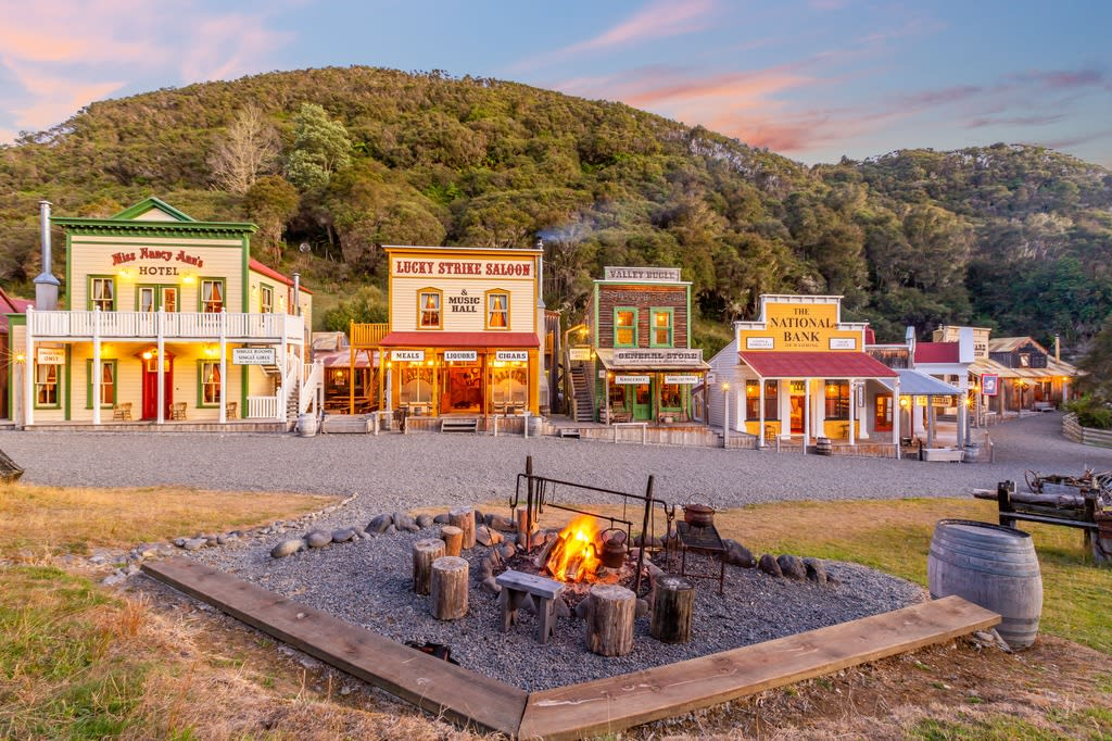 New Zealand old west town Mellonsfolly Ranch on sale for $7.5 million